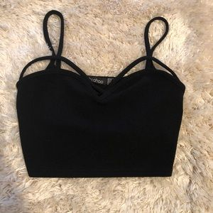 Black strappy Boohoo crop top size 6 NWOT